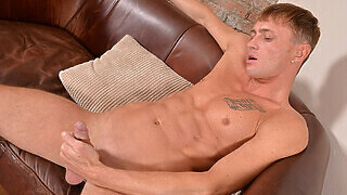 Leo Strokes Out A Hot Load - Leo D'cartier